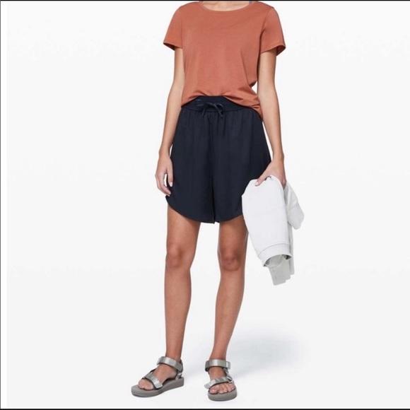 Lululemon Feeling Femme shorts size 12 black